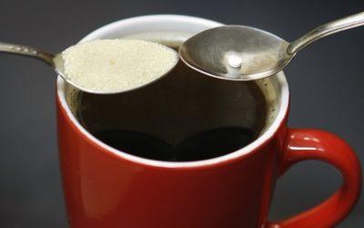 ¿Desea azúcar o edulcorante?