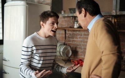 ¿Qué hay detrás de un adolescente rebelde y un padre exigente?
